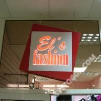 Световая композитная вывеска с буквами из оргстекла в торговом центре