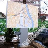 Уличный информационный щит с информацией о пробках